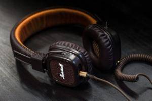 Verschiedene Kopfhörer im Check